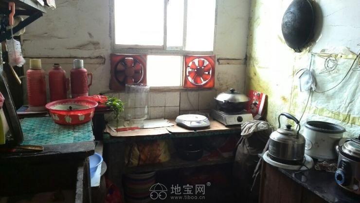 南昌市 井冈山 三店西路/十三中对面的1室1厅简单家具合用厨卫